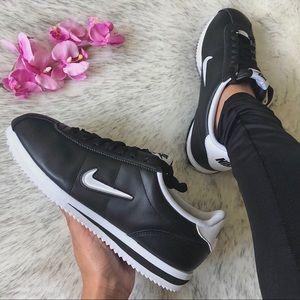 NWT💎 Rare Nike Cortez Jewel Black 8.5M/10W